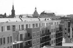 Die Hüllen fallen am Wettiner Platz in Dresden